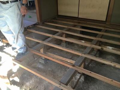 空き家のご実家の床の張り替え