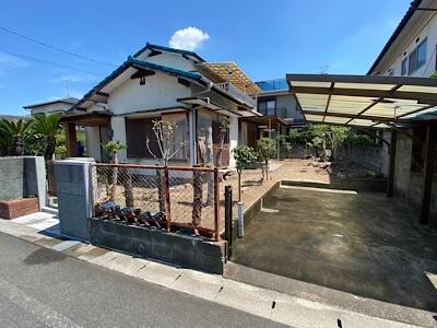 福岡市城南区の実家の駐車場とお庭だけでも結構です。貸してください。